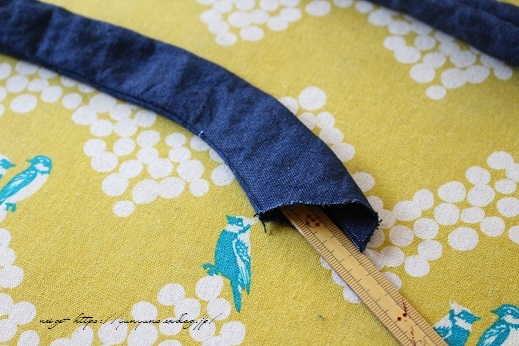 【100均】お勧め手芸用品と細いループを綺麗に縫い仕上げるコツ♪_f0023333_20353380.jpg