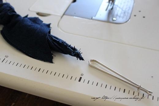 【100均】お勧め手芸用品と細いループを綺麗に縫い仕上げるコツ♪_f0023333_20353890.jpg