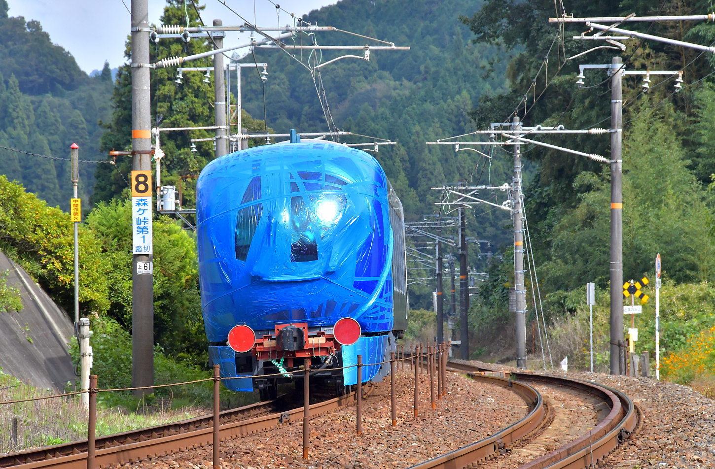 西武新型特急車第一編成_a0251146_01583811.jpg