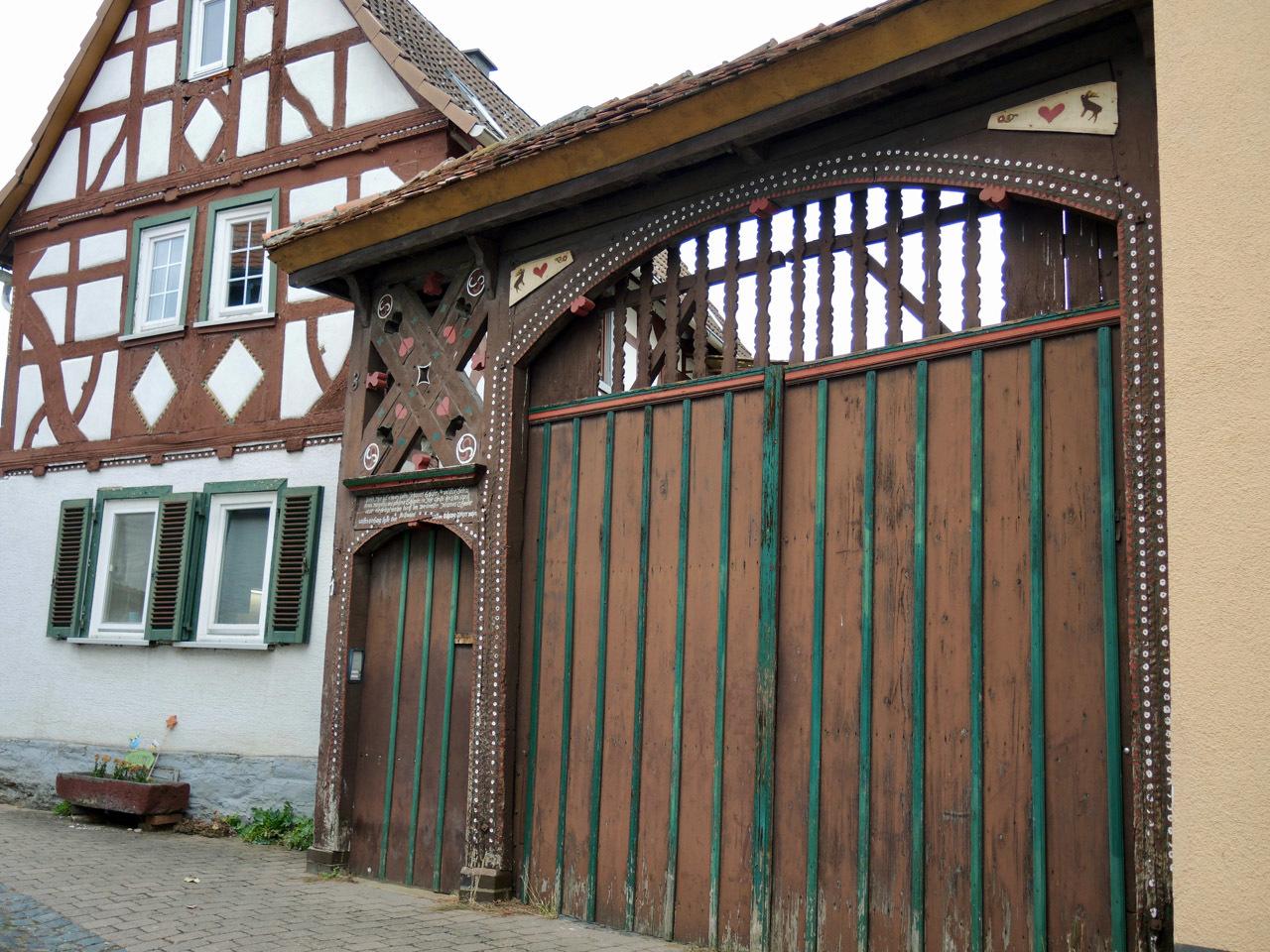 Butzbach の看板_e0175918_21054446.jpg