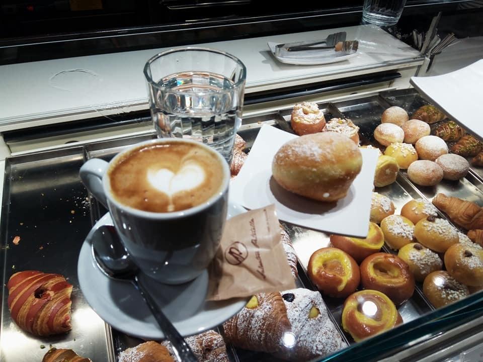 今朝はバーリで朝食!_b0305039_00145380.jpg