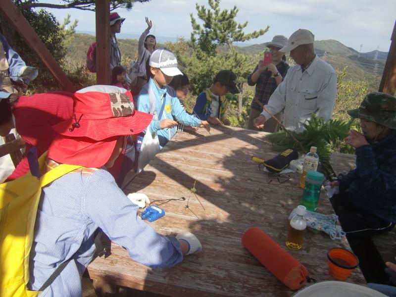 きのくに子どもNPO「秋の里山で遊ぼう!ハイキング!」・・・孝子の森_c0108460_19285709.jpg