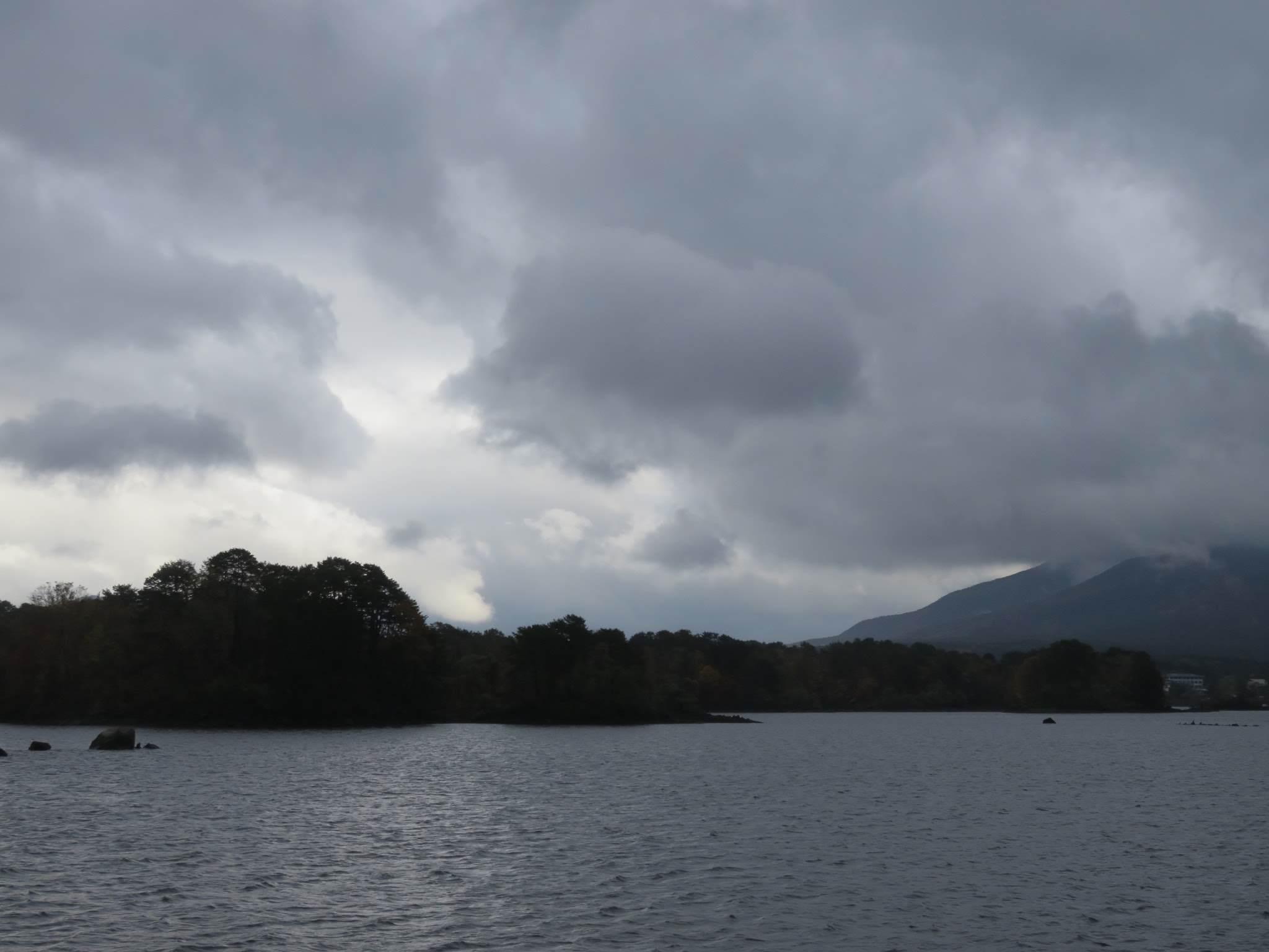 【裏磐梯】雨上がり、超曇天の桧原湖遊覧船_a0057402_15461553.jpg