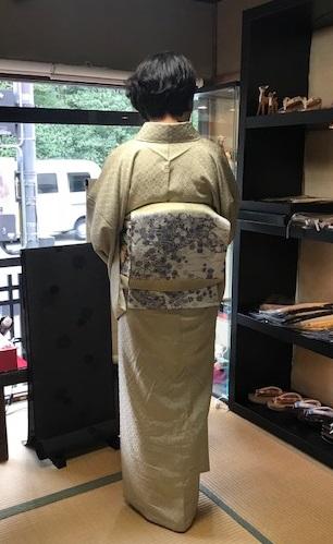 ご来店のお客様・飾り紋の花織の無地にピッタリの帯。_f0181251_1813168.jpg