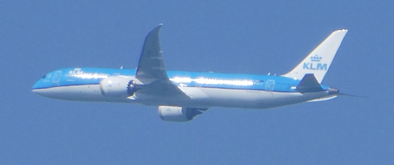 飛行機と遊ぶ_c0108460_15541302.jpg