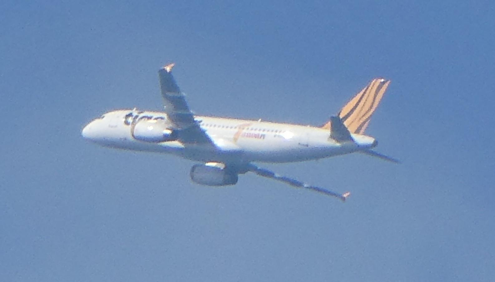 飛行機と遊ぶ_c0108460_15541353.jpg
