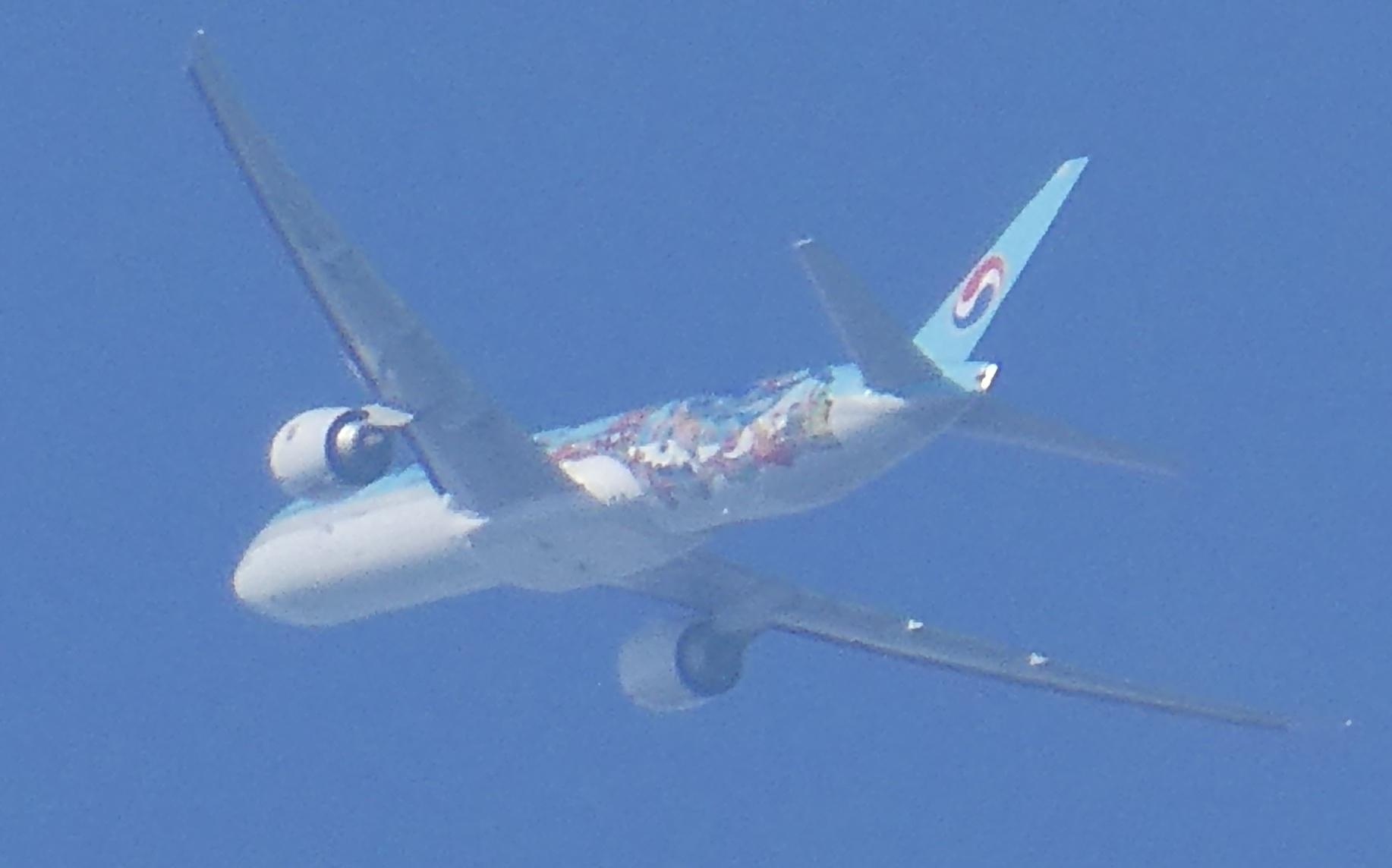 飛行機と遊ぶ_c0108460_15561384.jpg