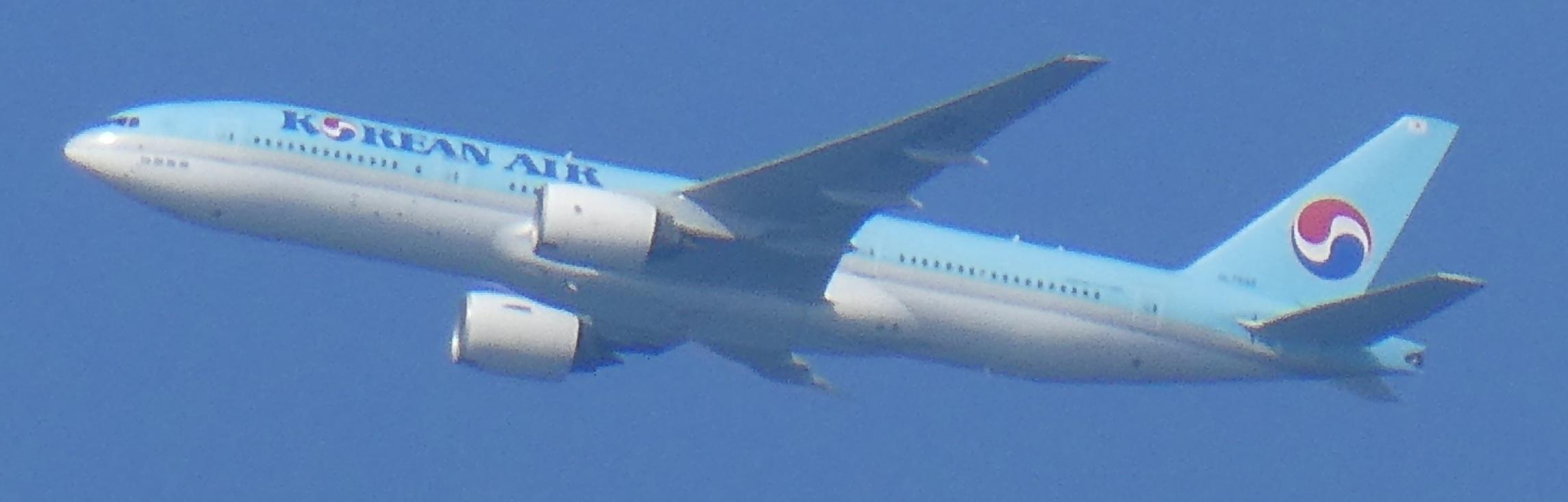 飛行機と遊ぶ_c0108460_15575450.jpg