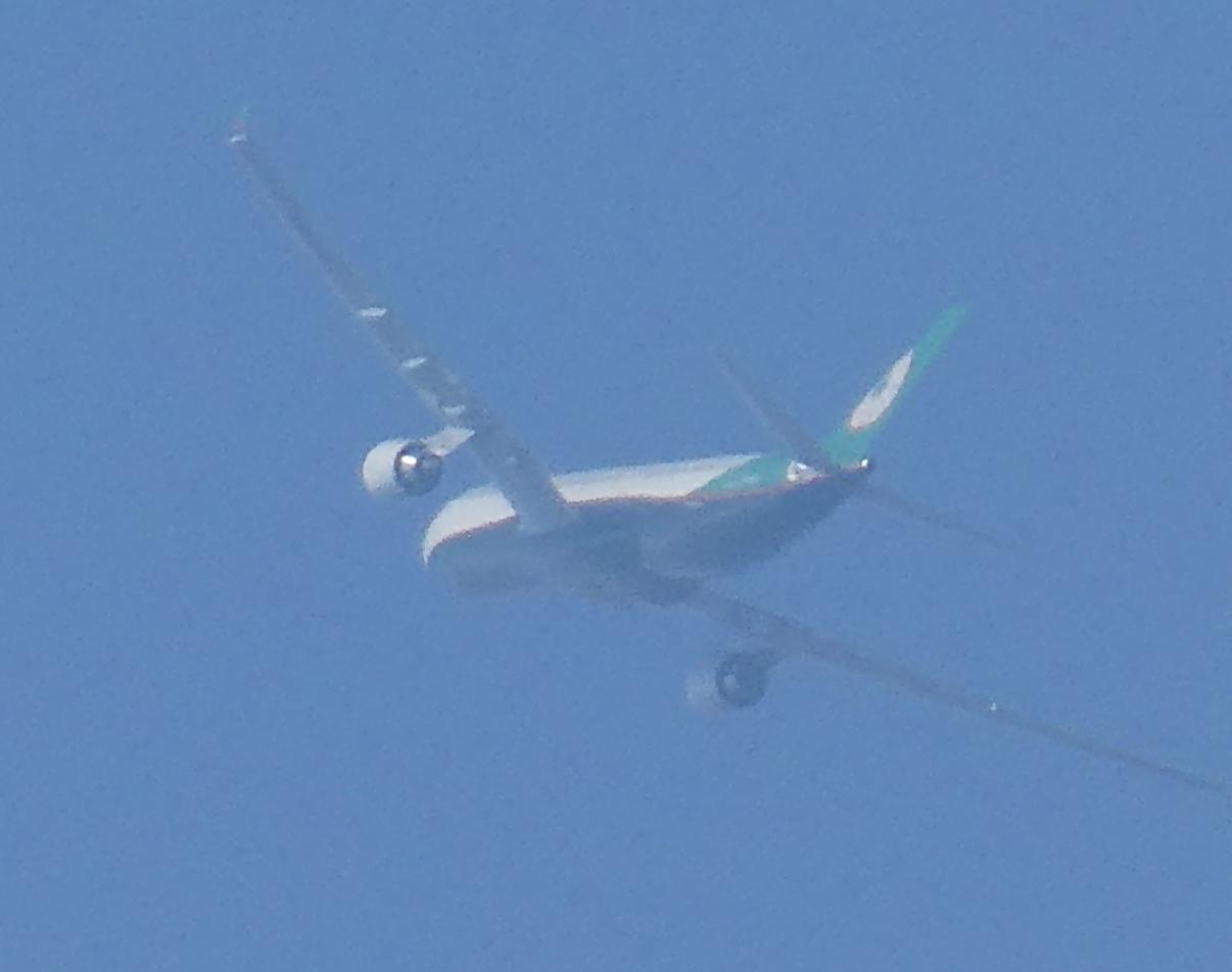 飛行機と遊ぶ_c0108460_16012029.jpg