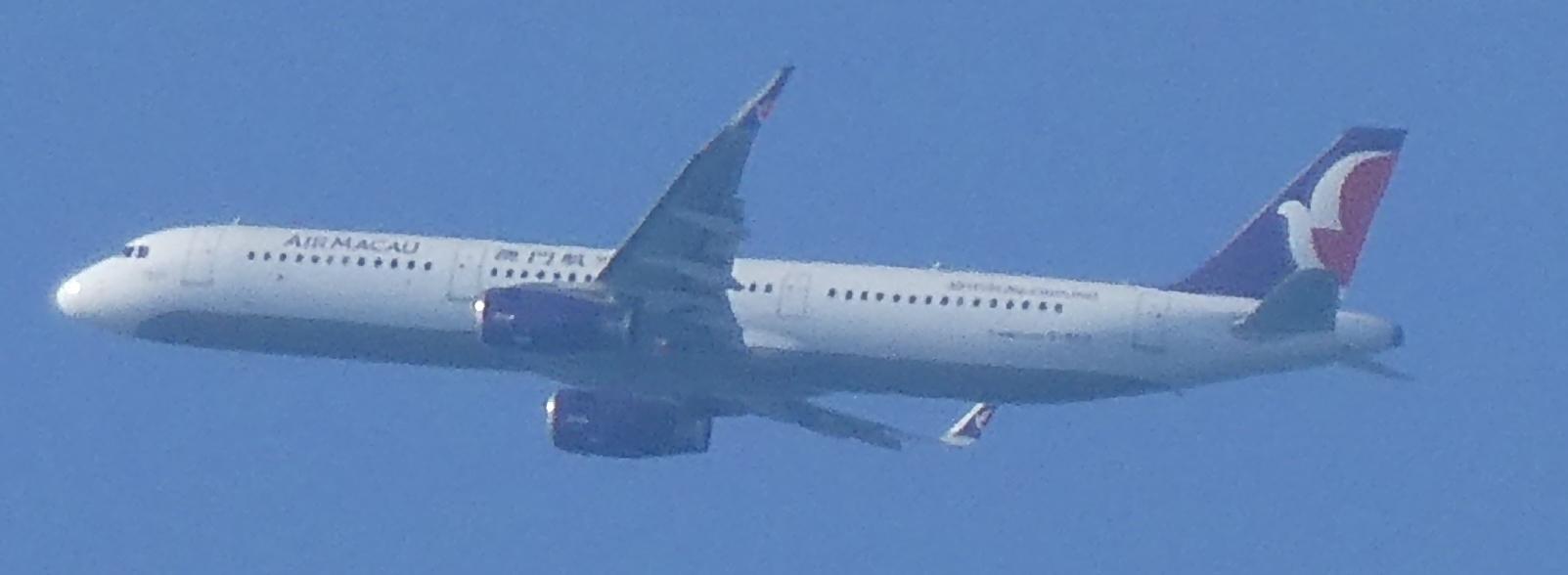 飛行機と遊ぶ_c0108460_16035231.jpg
