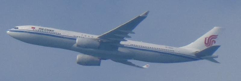 飛行機と遊ぶ_c0108460_16035237.jpg