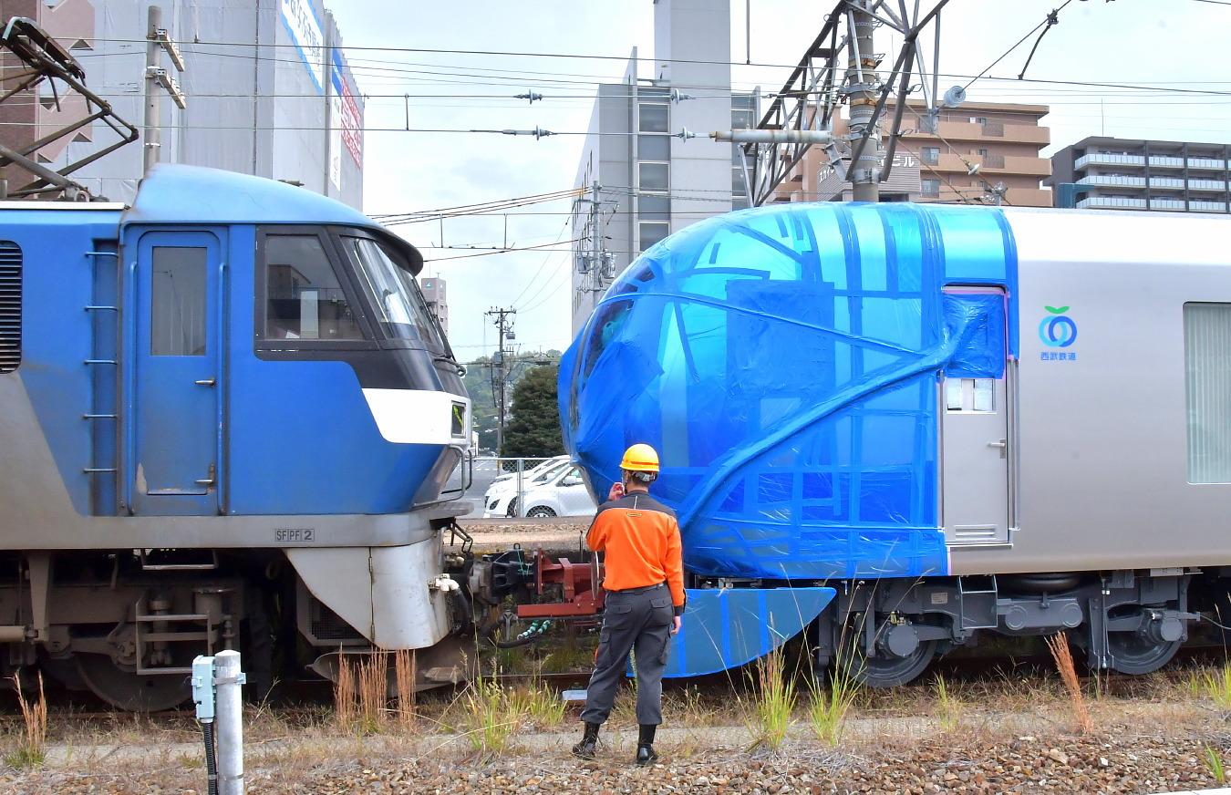 西武新型特急車第一編成_a0251146_01240754.jpg