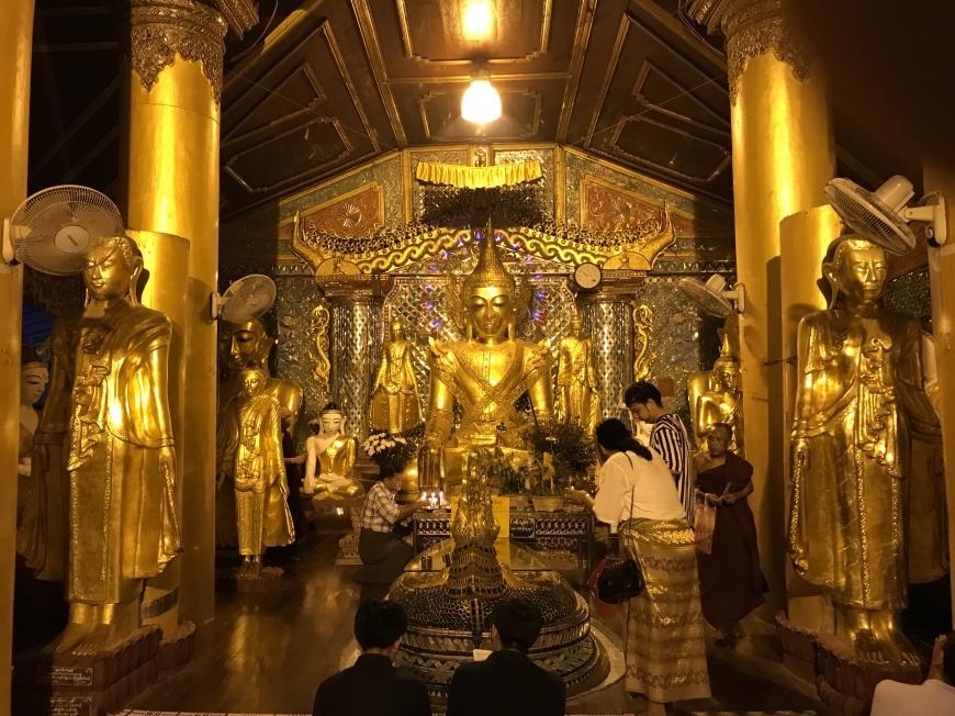 2018/10/31 ミャンマー:その2 ヤンゴンで_b0171364_14010576.jpg