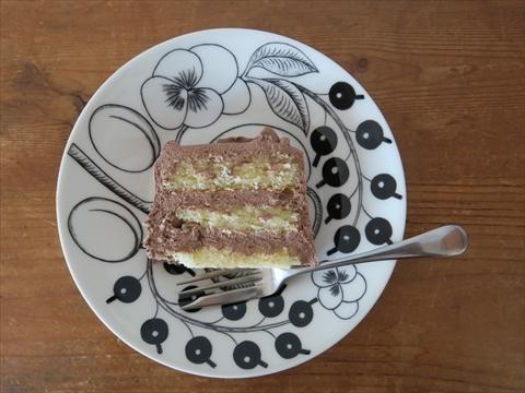 トップスのチョコレートケーキ_e0271890_15381622.jpg