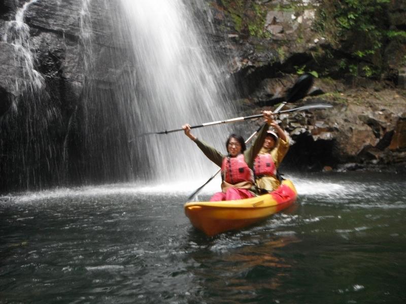 冬のカヌーはでっかい滝を見に行きます!!_f0121321_17292846.jpg