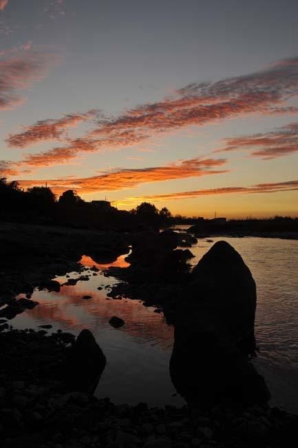 多摩川の朝焼け_f0173596_09000169.jpg