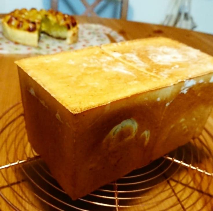 コーヒー酵母の生クリーム食パン_a0113430_07390145.jpg