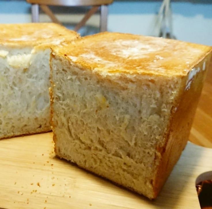 コーヒー酵母の生クリーム食パン_a0113430_07390794.jpg