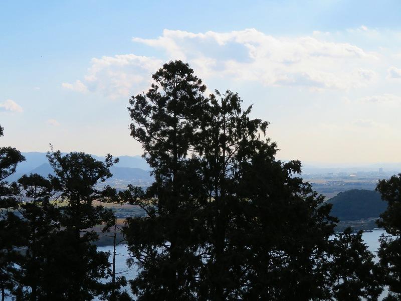 長命寺から琵琶湖を眺望20181029_e0237645_08020165.jpg