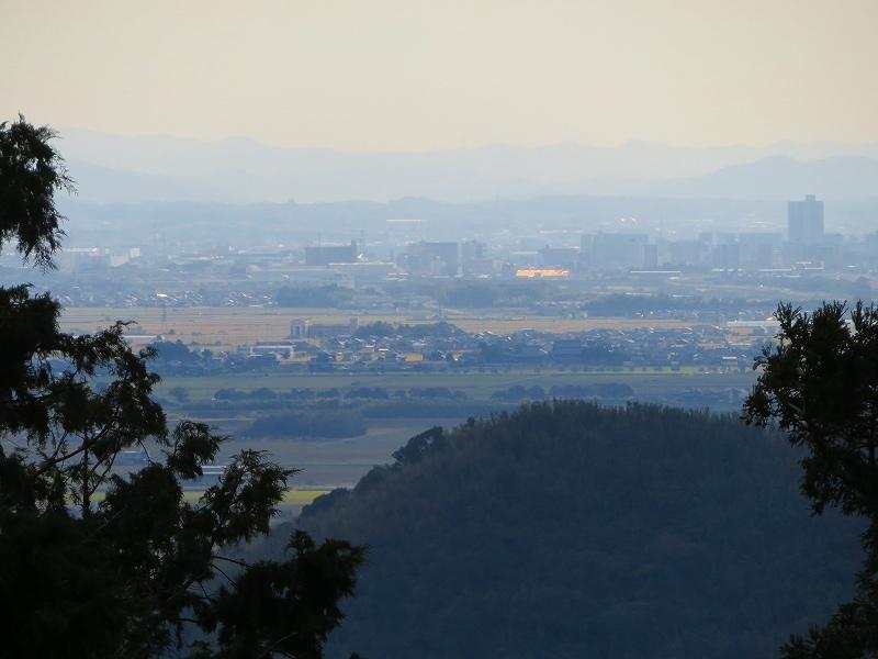 長命寺から琵琶湖を眺望20181029_e0237645_08020176.jpg