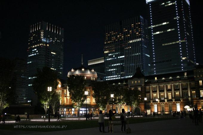 夜の駅舎_b0324291_23320138.jpg