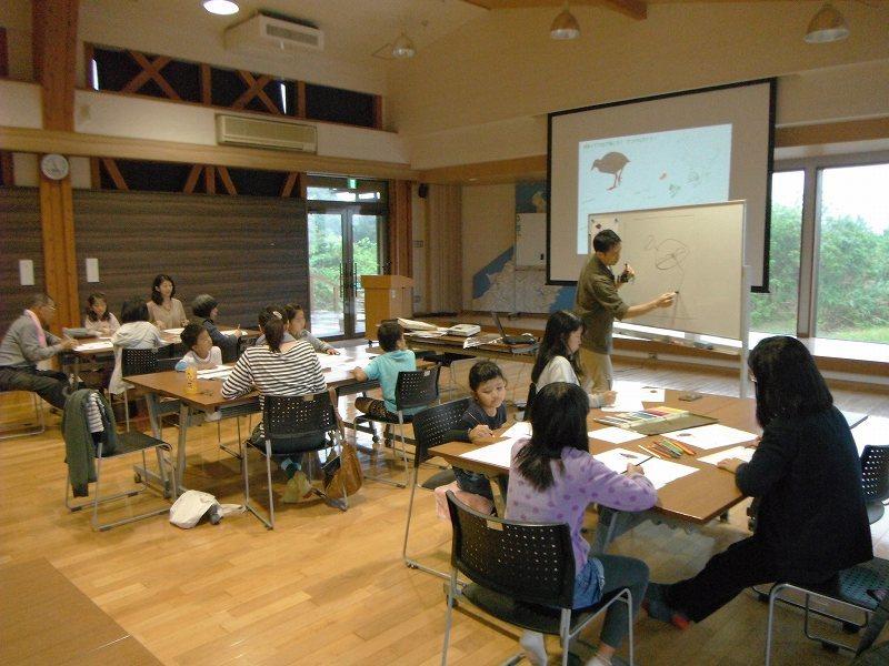 岡田宗徳さんによる「やんばるの動物 お絵かき教室」_f0121321_12593509.jpg