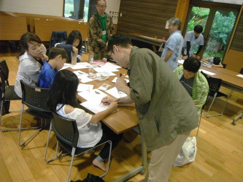 岡田宗徳さんによる「やんばるの動物 お絵かき教室」_f0121321_13003709.jpg