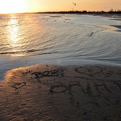 1979年の夏、象牙海岸の波打ち際に書いたラブレターを消した伝説の水曜日の大波_c0109850_12151464.jpg