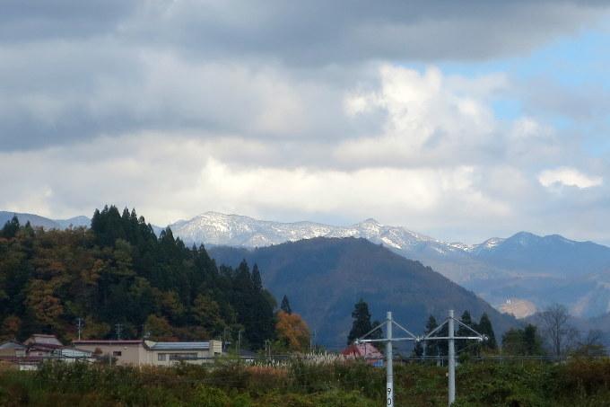 三つ向こうの山が白かった日_a0214206_22374952.jpg