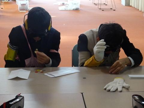 吉江中学校で疑似体験_b0159251_17153966.jpg