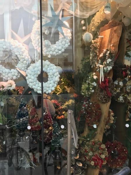 クリスマス準備がもう始まりました。_e0397389_16325102.jpeg