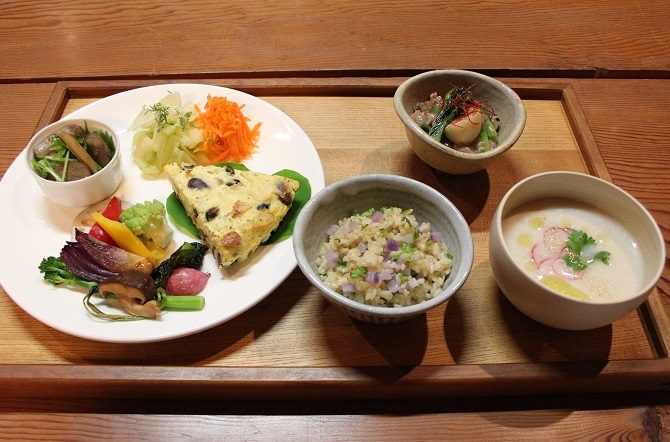 豆とキノコのキッシュ_a0170699_11205456.jpg