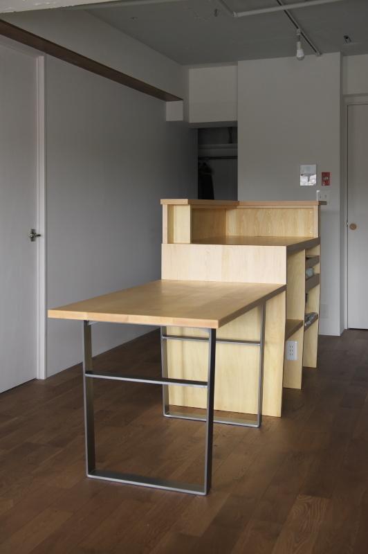 2018.11.6          キッチンアイランドボードとダイニングテーブル完成_e0192609_18155059.jpg
