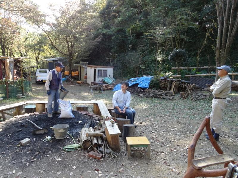 枯れ松 大木の伐採準備・・・孝子の森_c0108460_17572841.jpg