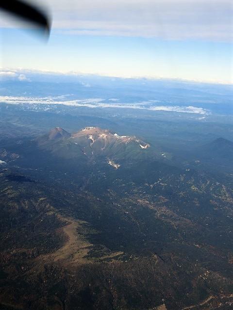 ANA北海道の旅@雄大な自然と北海道、札幌空港から中標津空港へこの便は最高、雌阿寒岳、阿寒湖、屈斜路湖そして摩周湖の絶景か広がる_d0181492_20104962.jpg