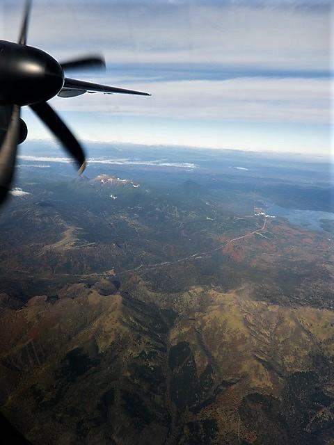 ANA北海道の旅@雄大な自然と北海道、札幌空港から中標津空港へこの便は最高、雌阿寒岳、阿寒湖、屈斜路湖そして摩周湖の絶景か広がる_d0181492_20111334.jpg