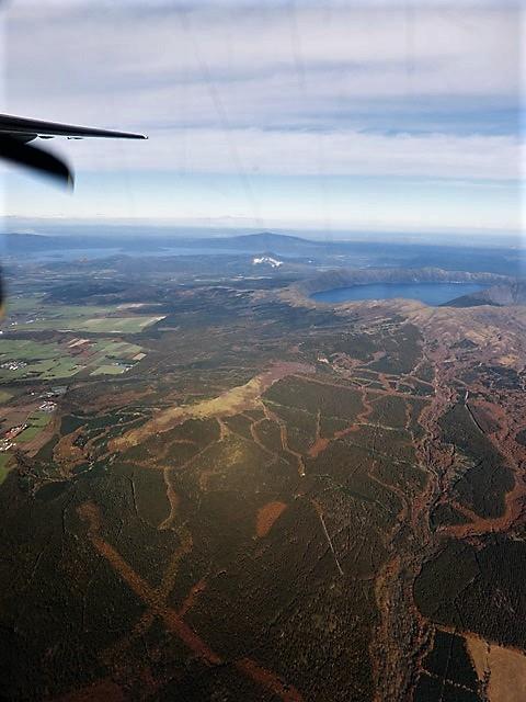 ANA北海道の旅@雄大な自然と北海道、札幌空港から中標津空港へこの便は最高、雌阿寒岳、阿寒湖、屈斜路湖そして摩周湖の絶景か広がる_d0181492_20144445.jpg