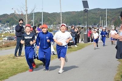マラソン大会!応援するのだ!_c0259934_16110781.jpg
