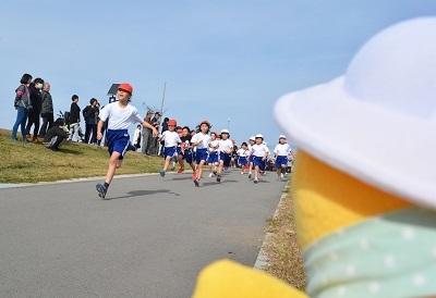 マラソン大会!応援するのだ!_c0259934_16110785.jpg