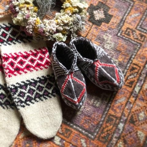 イランのおばあちゃん靴下お取扱店_d0156336_17212558.jpg