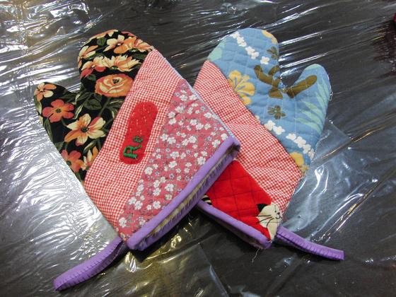 裁縫 ~ 鍋つかみ ~_e0222340_8243911.jpg