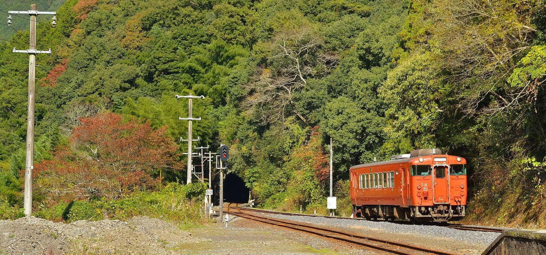 岩徳線と錦川鉄道_a0251146_23420409.jpg