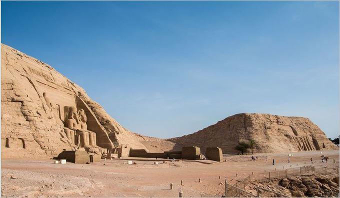 古代エジプト アブ・シンベル神殿_c0011649_09161034.jpg