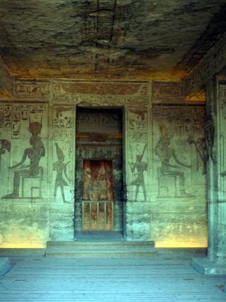 古代エジプト アブ・シンベル神殿_c0011649_22395747.jpg