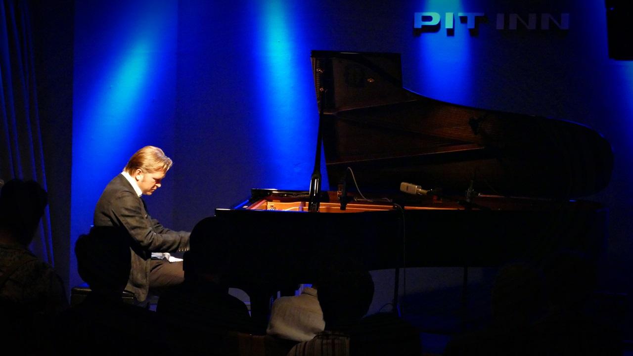 Kristjan Randalu 9月公演_e0081206_1754178.jpg