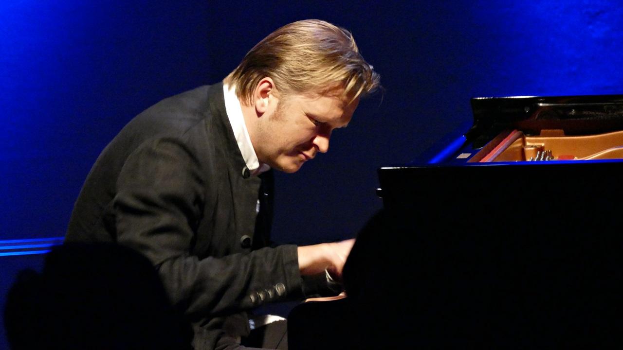 Kristjan Randalu 9月公演_e0081206_17542594.jpg