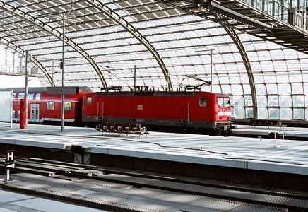 ベルリン中央駅開業_e0030537_22215023.jpg