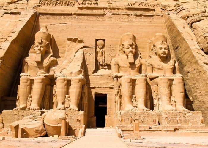 古代エジプト アブ・シンベル神殿_c0011649_01351589.jpg