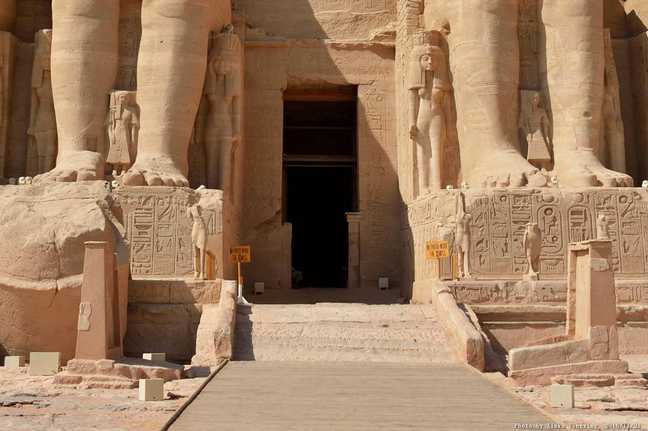 古代エジプト アブ・シンベル神殿_c0011649_01494617.jpg