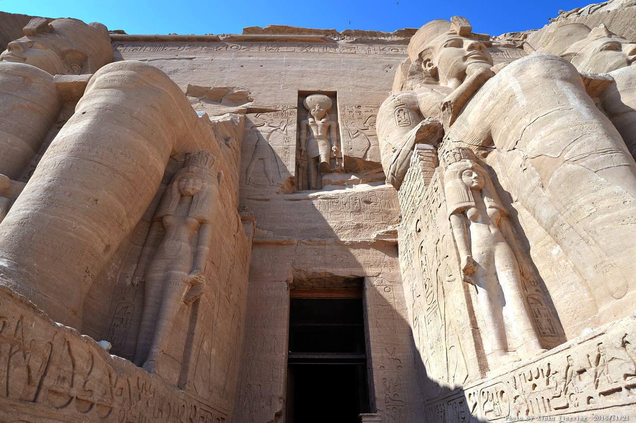 古代エジプト アブ・シンベル神殿_c0011649_01513751.jpg